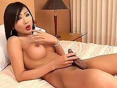 0/0 - Transexuelle thailandaise sexy et…